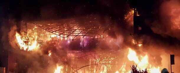 Incendio en edificio de Taiwán provoca la muerte de al menos 46 personas (VIDEOS)
