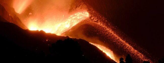Desalojan a 800 personas por nuevo río de lava del volcán de La Palma
