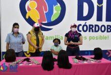 Realiza DIF Córdoba  entrega de pelucas oncológicas para niñas y mujeres
